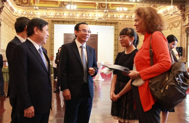 Bí thư Nguyễn Văn Nên: Phát triển kinh tế nhưng không đánh đổi môi trường  - Ảnh 1.