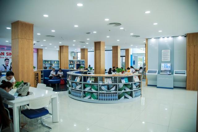 Thư viện trường người ta: Được đầu tư lên đến 20 tỷ, 10.000 đầu sách tha hồ học tập nghiên cứu, không gian đẹp ngỡ như khách sạn 5 sao - Ảnh 6.