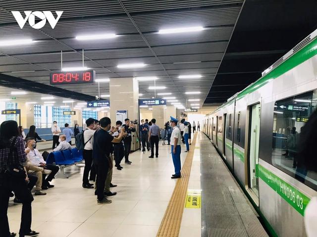 """Người dân chê vé đường sắt Cát Linh - Hà Đông """"hơi đắt""""  - Ảnh 2."""
