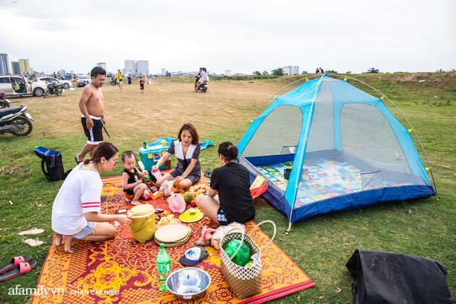 Nếu muốn thử Camping mà chưa biết chọn nơi nào để cắm lều thì đây là những địa điểm vừa hot lại đẹp từ Nam ra Bắc phải thử đến 1 lần - Ảnh 1.