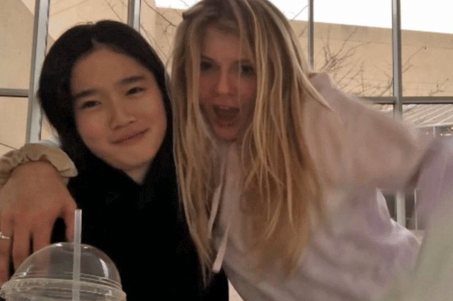 Cháu gái gia tộc Samsung lộ diện đã lập tức gây bão MXH với diện mạo thanh thuần nhưng chiếm trọn spotlight lại là bộ quần áo của tiểu thư 17 tuổi - Ảnh 16.