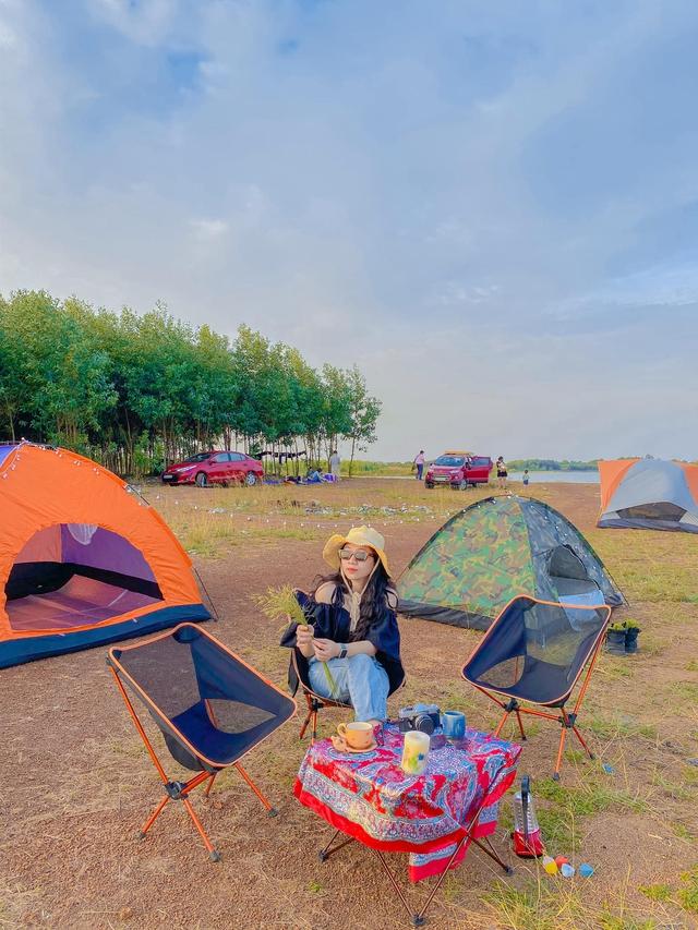 Nếu muốn thử Camping mà chưa biết chọn nơi nào để cắm lều thì đây là những địa điểm vừa hot lại đẹp từ Nam ra Bắc phải thử đến 1 lần - Ảnh 23.