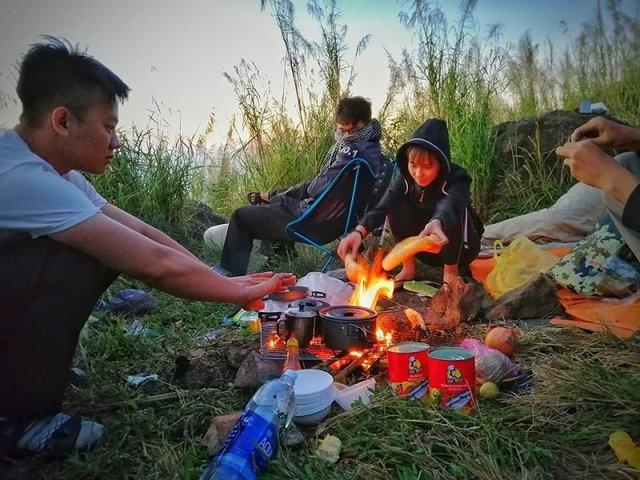 Nếu muốn thử Camping mà chưa biết chọn nơi nào để cắm lều thì đây là những địa điểm vừa hot lại đẹp từ Nam ra Bắc phải thử đến 1 lần - Ảnh 34.