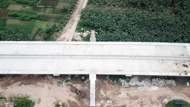 Toàn cảnh công trường xây dựng cầu vượt sông gần 2.000 tỷ đồng ở Bắc Ninh  - Ảnh 5.