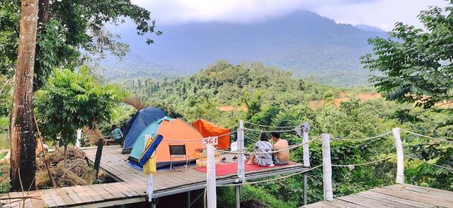Nếu muốn thử Camping mà chưa biết chọn nơi nào để cắm lều thì đây là những địa điểm vừa hot lại đẹp từ Nam ra Bắc phải thử đến 1 lần - Ảnh 8.