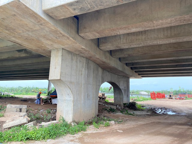 Toàn cảnh công trường xây dựng cầu vượt sông gần 2.000 tỷ đồng ở Bắc Ninh  - Ảnh 10.