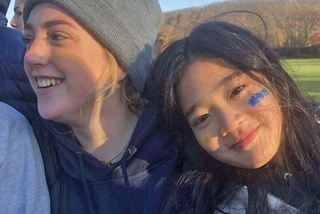 Cháu gái gia tộc Samsung lộ diện đã lập tức gây bão MXH với diện mạo thanh thuần nhưng chiếm trọn spotlight lại là bộ quần áo của tiểu thư 17 tuổi - Ảnh 10.