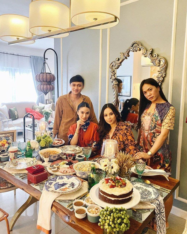 Cuộc sống vương giả của nguyên mẫu Crazy Rich Asians: Sinh ra ngậm thìa vàng, kết hôn với nghị sĩ quyền lực Philippines, sở hữu bộ sưu tập túi xách Hermès Birkin tương đương với vợ tỷ phú giàu nhất châu Á  - Ảnh 6.
