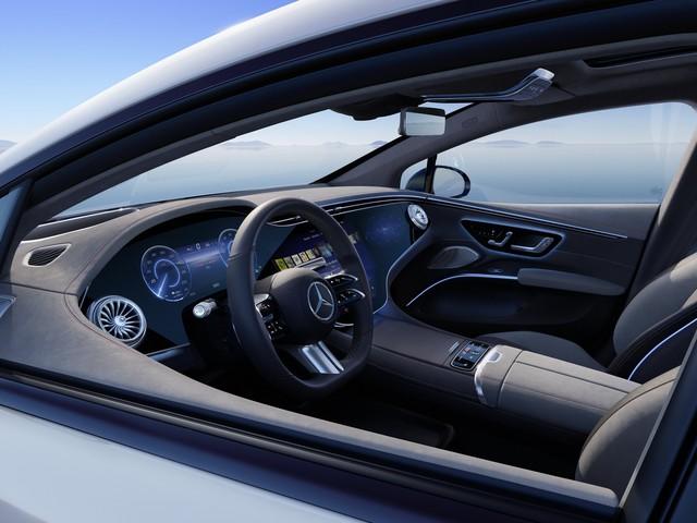 Siêu phẩm xe điện Mercedes-Benz EQS chính thức ra mắt: Tầm hoạt động 770 km, hiện đại như robot - Ảnh 4.