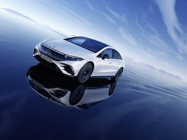 Siêu phẩm xe điện Mercedes-Benz EQS chính thức ra mắt: Tầm hoạt động 770 km, hiện đại như robot - Ảnh 6.