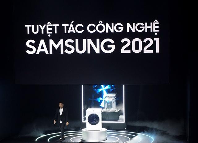 Đo độ bẩn quần áo, tự động phân phối nước giặt - đây là cách Samsung tích hợp AI lên mẫu máy giặt mới nhất - Ảnh 1.