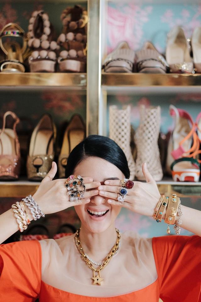 Cuộc sống vương giả của nguyên mẫu Crazy Rich Asians: Sinh ra ngậm thìa vàng, kết hôn với nghị sĩ quyền lực Philippines, sở hữu bộ sưu tập túi xách Hermès Birkin tương đương với vợ tỷ phú giàu nhất châu Á  - Ảnh 5.