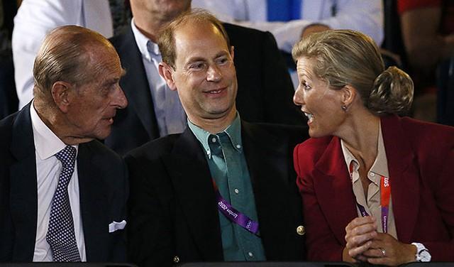 Quan hệ tốt đẹp của Hoàng tế Philip và các nàng dâu: Công nương Diana nhận sự đối đãi đặc biệt nhưng vẫn chưa phải là người được yêu quý nhất - Ảnh 16.