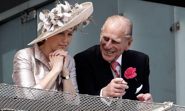 Quan hệ tốt đẹp của Hoàng tế Philip và các nàng dâu: Công nương Diana nhận sự đối đãi đặc biệt nhưng vẫn chưa phải là người được yêu quý nhất - Ảnh 17.