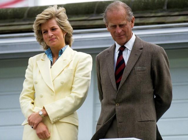 Quan hệ tốt đẹp của Hoàng tế Philip và các nàng dâu: Công nương Diana nhận sự đối đãi đặc biệt nhưng vẫn chưa phải là người được yêu quý nhất - Ảnh 9.