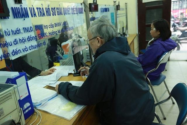 Đề xuất đóng BHXH 70% bình quân thu nhập, BHXH Việt Nam nói gì?  - Ảnh 1.