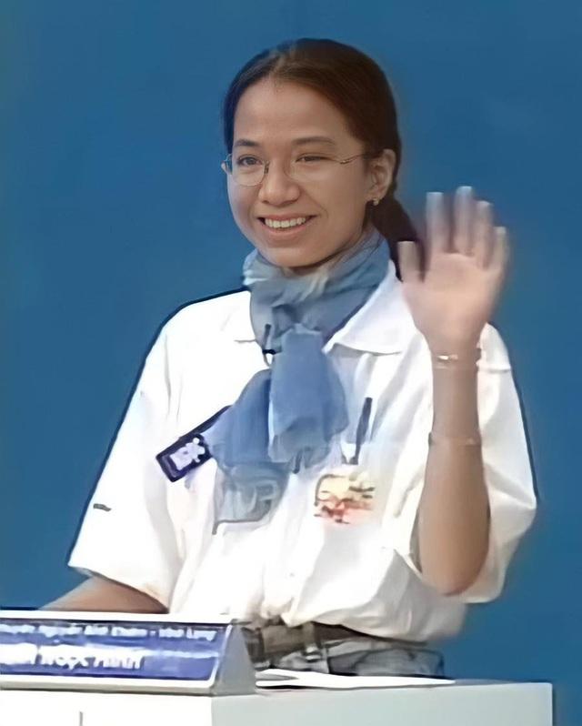 Nữ quán quân Olympia mùa 1: Biến mất sau khi đạt thành tích cực khủng ở Úc, chỉ một vài bức ảnh rò rỉ cũng thấy khéo dạy con - Ảnh 1.