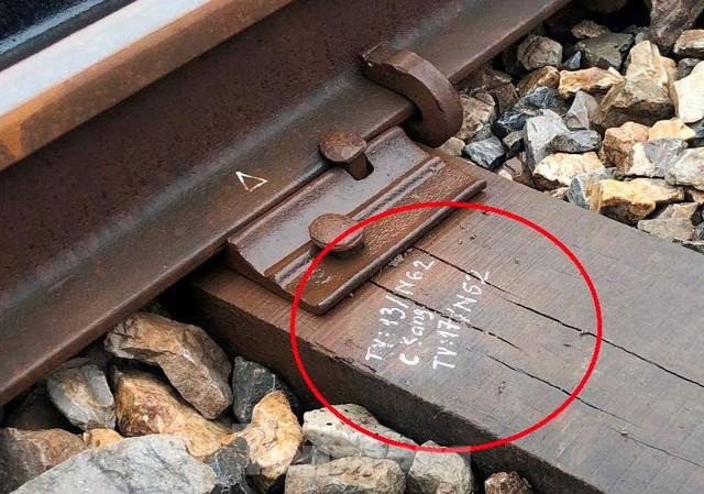Hệ thống đường sắt quốc gia đi qua Hà Nội xuống cấp thê thảm - Ảnh 6.