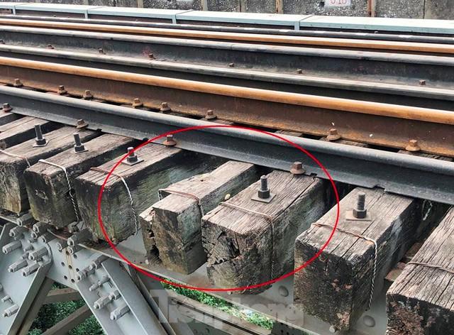 Hệ thống đường sắt quốc gia đi qua Hà Nội xuống cấp thê thảm - Ảnh 8.