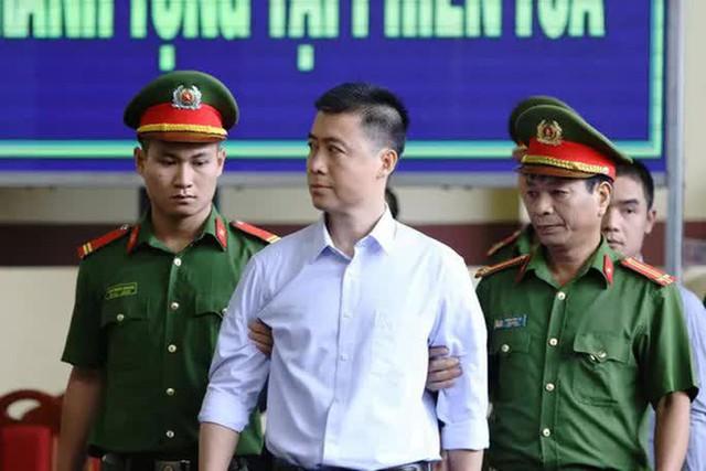 Kháng nghị giám đốc thẩm quyết định giảm 19 tháng tù cho trùm cờ bạc Phan Sào Nam  - Ảnh 1.