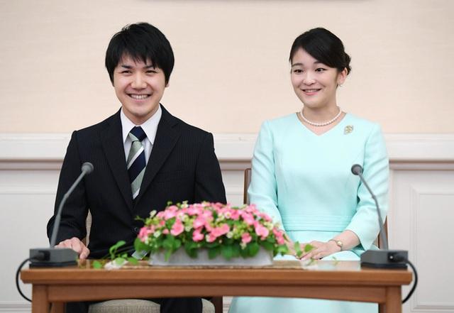 Vị hôn phu của Công chúa Nhật Bản được truyền thông ví giống hệt Meghan Markle, vì sao lại như vậy? - Ảnh 1.