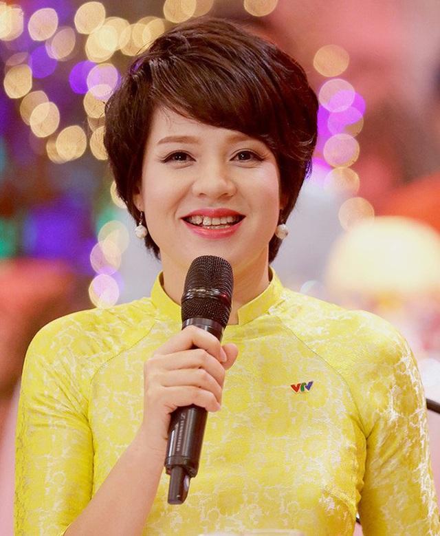 MC Diễm Quỳnh - người phụ nữ quyền lực của VTV mất 8 năm ở trường đại học với ngã rẽ số phận từ chối vào Bộ ngoại giao để làm MC nhà đài - Ảnh 1.
