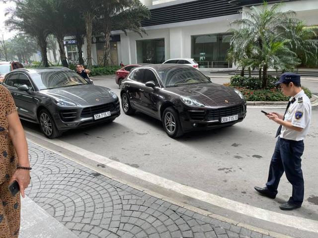 Thông tin bất ngờ vụ 2 chiếc xe sang Porsche chạm mặt nhau - Ảnh 2.