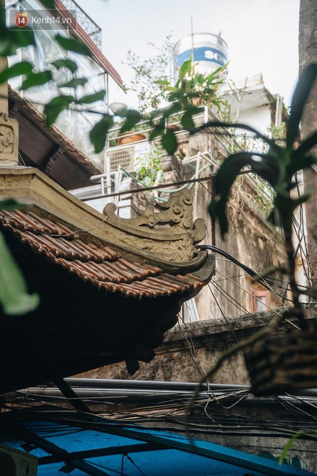 Ngôi nhà 80 năm tuổi, rộng gần 300m2 giữa phố cổ Hà Nội: Trả trăm tỷ không bán, bên trong có hầm chứa được 20 người - Ảnh 11.