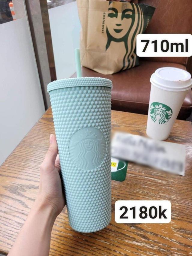 Choáng: Người Sài Gòn 6h sáng xếp hàng dài trước cổng Starbucks để săn chiếc ly màu xanh với giá 500k, sau 4 tiếng bán lại đã TĂNG GIÁ GẤP 4 LẦN! - Ảnh 19.