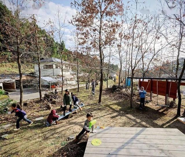 Bỏ phố về vùng nông thôn, gia đình 5 người biến cuộc sống trong ngôi nhà gỗ thành thiên đường ai cũng ước mơ - Ảnh 19.