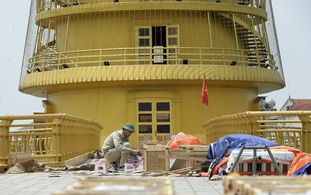 Cận cảnh trận địa pháo hoa tầm cao dịp giỗ Tổ Hùng Vương - Ảnh 3.