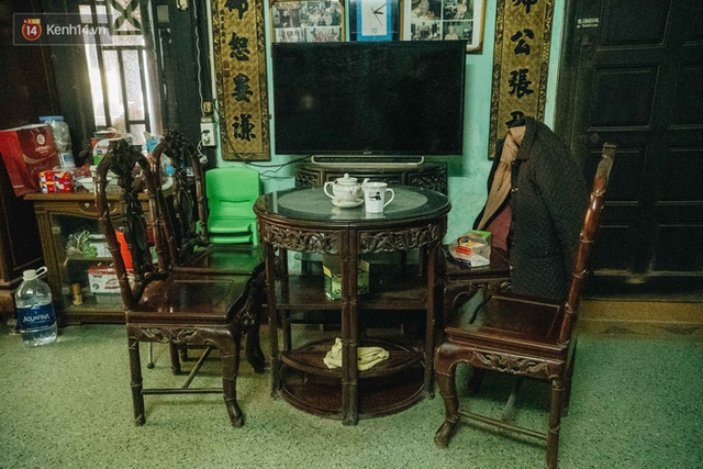 Ngôi nhà 80 năm tuổi, rộng gần 300m2 giữa phố cổ Hà Nội: Trả trăm tỷ không bán, bên trong có hầm chứa được 20 người - Ảnh 28.