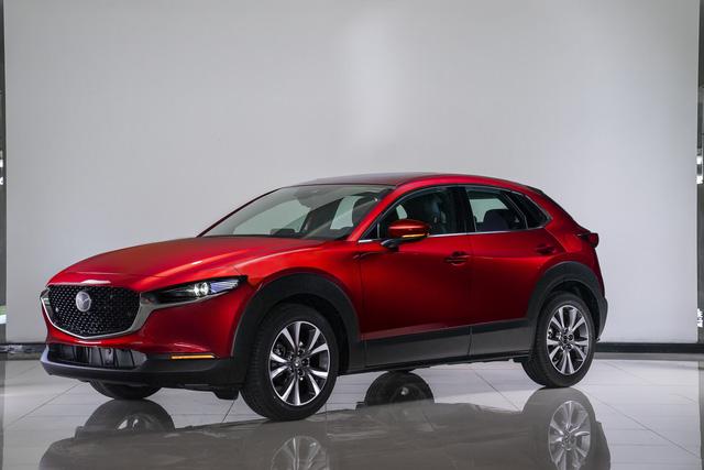 2 mẫu xe mới của Mazda ra mắt tại Việt Nam, giá từ 629 và 839 triệu đồng - Ảnh 1.