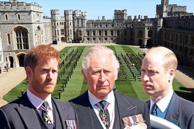 Tiết lộ lá thư Harry viết cho cha trước khi về dự tang lễ Hoàng tế Philip với lời hứa danh dự và cái giá phải trả cho sự phản bội - Ảnh 2.