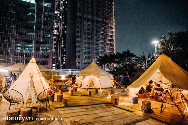 Siêu Hot: Glamping - Cắm trại xa xỉ trên nóc tòa nhà cao nhất Hà Nội, một khung cảnh cam kết đẹp hơn cả trên phim với loạt trải nghiệm siêu thú vị cho cả gia đình - Ảnh 1.
