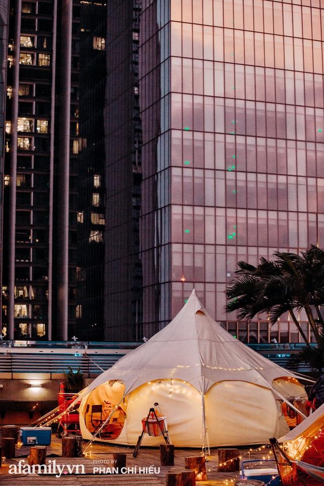 Siêu Hot: Glamping - Cắm trại xa xỉ trên nóc tòa nhà cao nhất Hà Nội, một khung cảnh cam kết đẹp hơn cả trên phim với loạt trải nghiệm siêu thú vị cho cả gia đình - Ảnh 2.