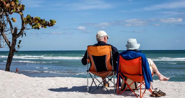 Chuẩn bị trước được 8 điều này, cuộc sống về hưu của bạn sẽ không nghèo, không bệnh tật và không buồn chán! - Ảnh 2.