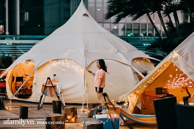 Siêu Hot: Glamping - Cắm trại xa xỉ trên nóc tòa nhà cao nhất Hà Nội, một khung cảnh cam kết đẹp hơn cả trên phim với loạt trải nghiệm siêu thú vị cho cả gia đình - Ảnh 11.