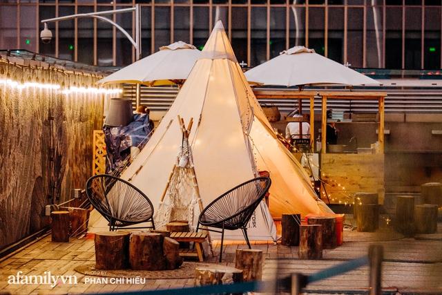 Siêu Hot: Glamping - Cắm trại xa xỉ trên nóc tòa nhà cao nhất Hà Nội, một khung cảnh cam kết đẹp hơn cả trên phim với loạt trải nghiệm siêu thú vị cho cả gia đình - Ảnh 3.