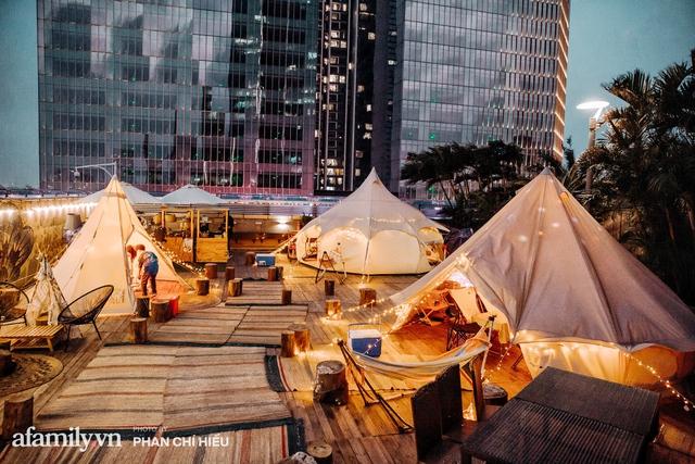 Siêu Hot: Glamping - Cắm trại xa xỉ trên nóc tòa nhà cao nhất Hà Nội, một khung cảnh cam kết đẹp hơn cả trên phim với loạt trải nghiệm siêu thú vị cho cả gia đình - Ảnh 27.