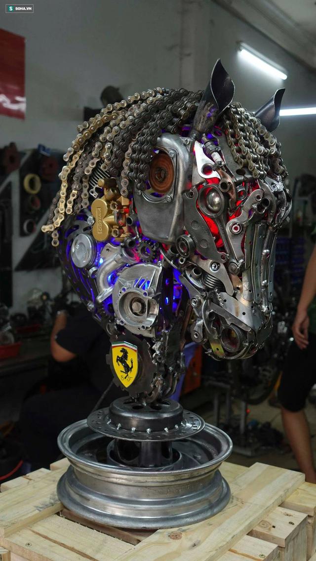 Nhông sên, ốc vít của xe máy, ô tô biến thành tắc kè đột biến, đồng hồ... độc nhất vô nhị, bán giá cả trăm triệu - Ảnh 9.