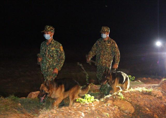 Trắng đêm phòng giặc COVID-19 ở biên giới Tây Nam  - Ảnh 5.