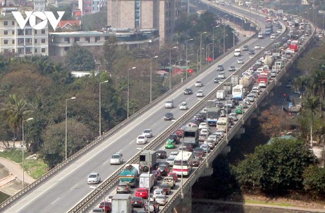 Hà Nội cấm xe đường Vành Đai 3 trên cao đoạn Mai Dịch-Cầu Thăng Long - Ảnh 1.