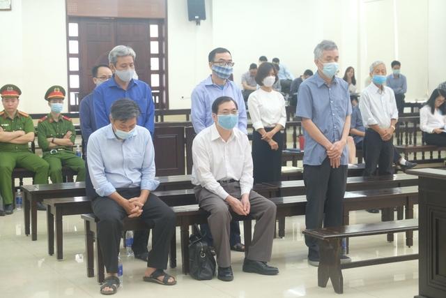 Cựu Bộ trưởng Vũ Huy Hoàng trả lời thẩm vấn liên quan khu đất vàng ở TPHCM  - Ảnh 1.
