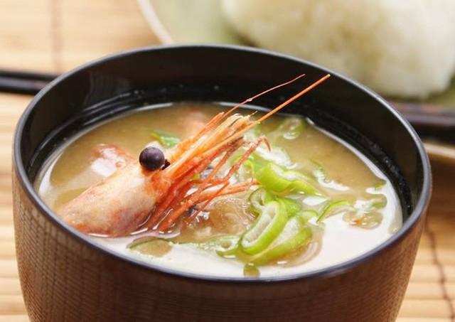 Chuyên gia Nhật Bản mách nhỏ cách ngăn ngừa bệnh sa sút trí tuệ: Mỗi ngày một bát súp, quét sạch rác não triệt để - Ảnh 2.