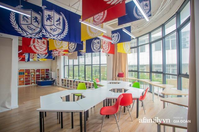 Có một ngôi trường dạy theo phương pháp Đồng kiến tạo ở ngay Hà Nội, phòng học ngập tràn ánh sáng, đặc biệt nhất là khu vui chơi trên sân thượng - Ảnh 4.