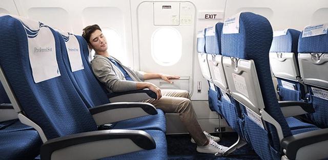Nếu phải đi lại nhiều bằng máy bay, đây là 12 điều cần phải biết để đảm bảo an toàn cho bản thân trước tiên: Bạn đã biết được mấy điều?  - Ảnh 2.