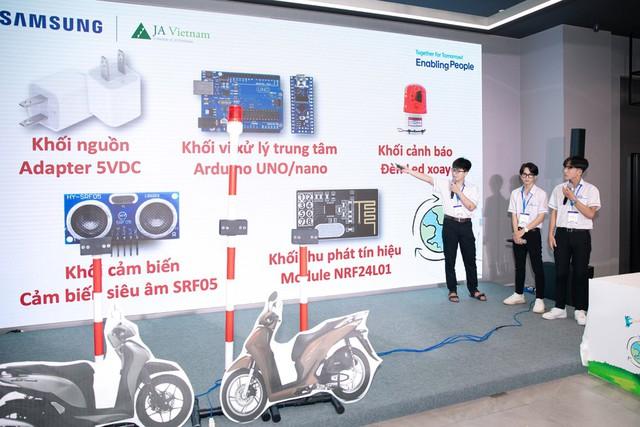 Tiếp tục đồng hành cùng thế hệ trẻ Việt Nam, Samsung chính thức khởi động cuộc thi Solve for Tomorrow 2021 - Ảnh 2.