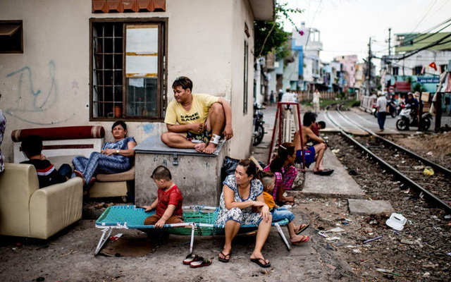 Dòng người di cư đem lại lợi ích và hệ lụy gì cho nơi họ đến? - Ảnh 1.