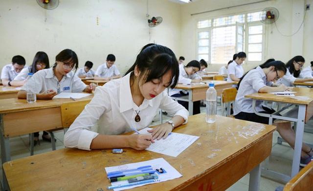 Học sinh lớp 9 vật vã luyện thi từ 5h30 sáng, nhà văn Bùi Ngọc Phúc cho rằng học giờ này để nhồi nhét kiến thức là phản khoa học - Ảnh 1.